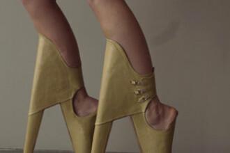 Inventia care a speriat lumea in 2012. Cine a reusit sa poarte pantofii cu tocul in fata. VIDEO