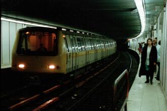 Circulatie ingreunata la metrou, din cauza unei defectiuni. O garnitura a ramas blocata in statia Dristor