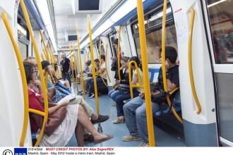 Fotografiat in timp ce se uita sub fustele femeilor.
