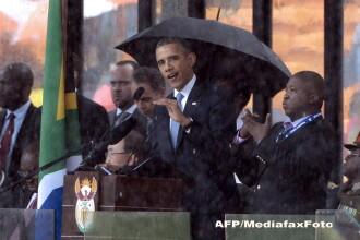 Experti: Interpretul in limbajul semnelor de la ceremonia dedicata lui Mandela a fost un impostor