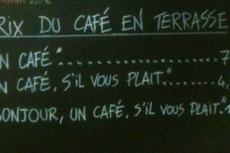 Cafeneaua care taxeaza in plus clientii nepoliticosi. Daca mergeti la Nisa, sa spuneti