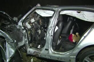 Doua femei au murit intr-un grav accident pe DN66. Singurul care a supravietuit a fost soferul