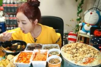 Obicei ciudat in Coreea de Sud. Oamenii platesc pentru a-i vedea online pe altii mancand. VIDEO