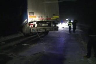 Viscolul si ninsorile bulverseaza Romania. Un TIR care a derapat a blocat 5 ore o sosea. Situatia drumurilor, LIVE UPDATE