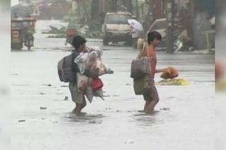 Taifunul Hagupit matura Insulele Filipine cu rafale de 20 km/h. 50 de milioane de oameni sunt in pericol