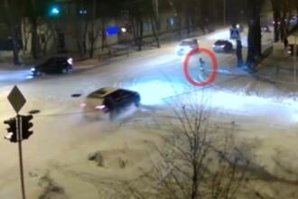 Accident surprins de camerele de supraveghere: o tanara de 13 ani este spulberata de un sofer grabit. VIDEO