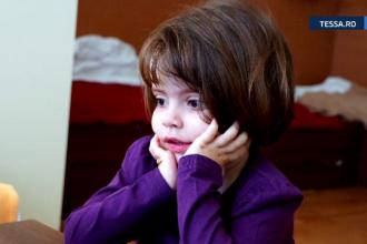 Miracol de Craciun pentru o fetita care sufera de leucemie. Sute de parinti au organizat un targ caritabil pentru a o ajuta