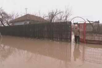 Teleorman: O casa distrusa, 18 avariate, patru evacuati si 37 de localitati afectate de inundatii