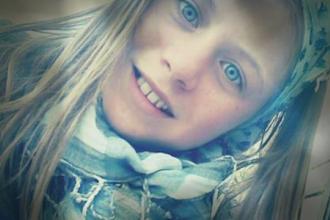 O adolescenta de 13 ani, ucisa de un sofer beat la Suceava. Fetita, cu aparat auditiv, mai avea un pas pana la trotuar