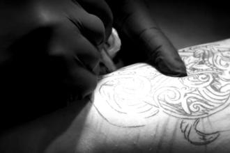 Cum arata cel mai vechi tatuaj facut in Romania, in urma cu 138 de ani. Ce semnificatie aveau desenele atunci
