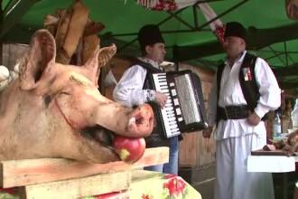 Sambata lui Ghita: mirosul de sorici parlit, jumari si carnati a acoperit Romania de Ignat
