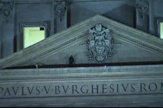 Un om de afaceri italian s-a urcat pe bazilica Sf. Petru din Vatican, in semn de protest. De ce era nemultumit