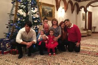 Traian Basescu si Victor Ponta, Craciun in familie, Elena Udrea... la mall. Unde isi petrec politicienii sarbatorile. FOTO
