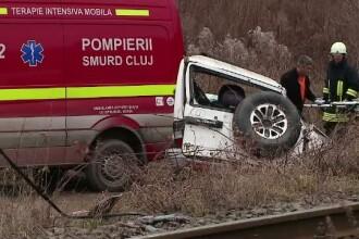 Fetita de 9 ani din Cluj, ranita grav dupa ce masina condusa de fratele ei de 16 ani a fost lovita de tren, a murit la spital