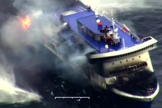 Pasageri de pe feribotul Norman Atlantic care au sarit in mare au fost muscati de rechini