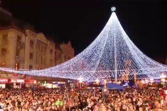 Atmosfera sarbatorilor de iarna a cuprins marile orase. Luminile de Craciun au fost aprinse de 1 decembrie in toata tara