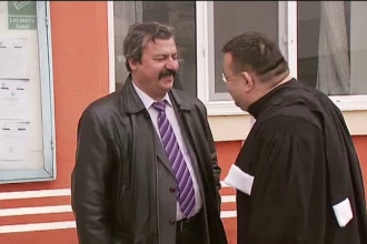 Trei judecatori, in completul care va da verdictul final in cazul medicului Iancu Mocanu, acuzat de luare de mita