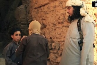 Joc de-a v-ati ascunselea cu prizonierii. Cum pregateste Statul Islamic copii de 8 ani pentru a ii transforma in jihadisti