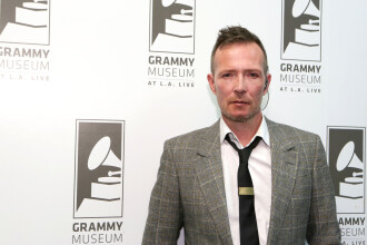 Cantaretul Scott Weiland, fost solist al trupei Stone Temple Pilots, a murit in somn la 48 de ani