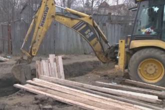 Doi muncitori au murit ingropati de vii in timp ce lucrau la canalizarea din Snagov. Ce spun colegii acestora