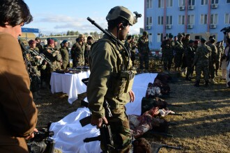 Cel putin 60 de morti si 37 de raniti in asediul asupra aeroportului din Kandahar. Atacatorii au fost ucisi