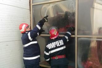 Incendiu puternic la Muzeul Culturii Romilor, din Capitala. Pompierii au intervenit cu cinci autospeciale