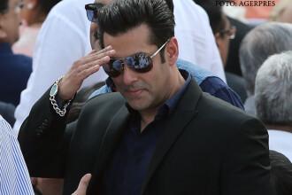 Salman Khan a lansat cererea in casatorie. Momentul surprins de presa cu celebrul actor