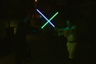 Febra Star Wars cuprinde si Romania. Aglomeratie la rafturile cu jucarii, masti si costume cu cateva zile inainte de premiera