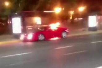 Un Ferrari a luat foc din senin in trafic. Cum au reactionat ceilalti soferi