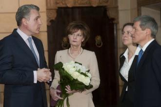 Premierul Dacian Ciolos si sotia sa, invitati la cina regala de la Palatul Elisabeta. Preparatele pregatite pentru dineu