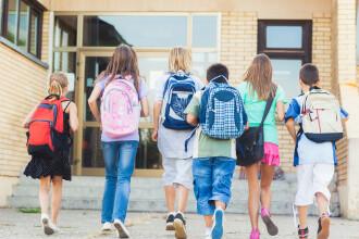 Scandal la o scoala din Vaslui. Un profesor, acuzat de mama unei eleve ca ar fi batut-o pentru ca a gresit un exercitiu