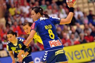 Cristina Neagu si Gonzalo Perez Moreno, numiti de EHF jucatorii lunii aprilie in Liga Campionilor