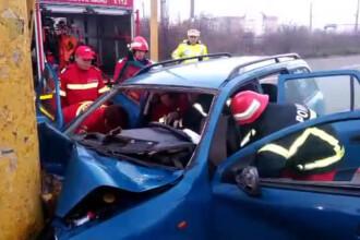 Accident mortal in Constanta: un barbat a intrat cu masina intr-un stalp de beton. VIDEO