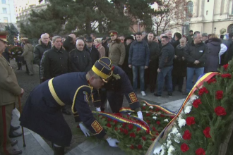 Ceremonii militare in toata tara, in memoria celor care au murit la Revolutie.