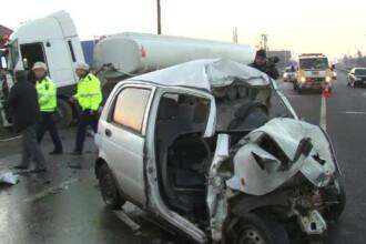 Accident oribil langa Bacau, in ajun de Craciun. O masina s-a dezmembrat in urma ciocnirii cu o cisterna