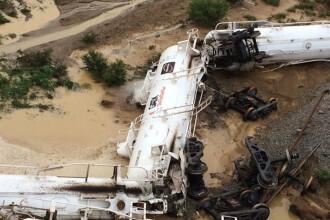 Un tren care transporta 200.000 de litri de ACID SULFURIC a deraiat in Australia. Autoritatile au declarat stare de urgenta