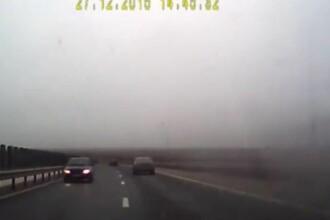 Inconstienta fara margini a unui sofer roman pe autostrada Sibiu - Orastie. A mers pe contrasens, pe ceata. VIDEO