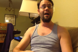 Modul impresionant prin care o femeie si-a anuntat sotul surd ca va deveni tata. Cum a reactionat barbatul. VIDEO