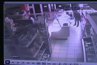 Magazin din Brasov, jefuit in timp ce alarma a sunat timp de o ora. Ce au furat hotii, in valoare de 15.000 de lei