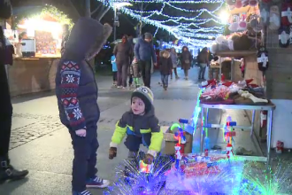Targul dedicat Craciunului din Parcul Alexandru-Ioan Cuza din Capitala i-a fascinat pe copii. De ce surprize au avut parte