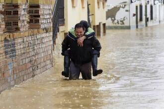 Inundatii puternice in Spania: o romanca de 29 de ani si-a pierdut viata. FOTO si VIDEO cu dezastrul provocat de ape