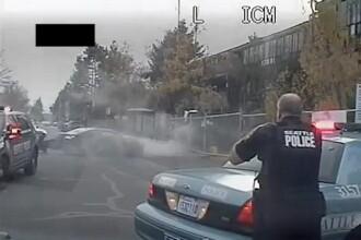 Doua masini de politie s-au ciocnit incercand sa prinda un sofer fugar in Seattle. Cum s-a terminat cursa nebuna. VIDEO