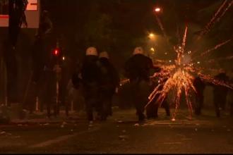 Mars transformat in proteste violente, la Atena. Politistii au intervenit cu gaze lacrimogene