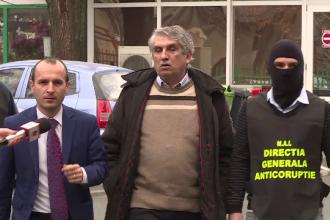 Chirurgul Gheorghe Burnei, banuit de coruptie si malpraxis, a fost retinut. A iesit incatusat din Spitalul