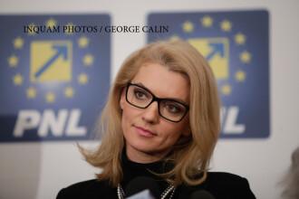 Surse PNL: Alina Gorghiu a vrut sa demisioneze, insa liderii din judete ar fi convins-o sa ramana in functie pana la congres