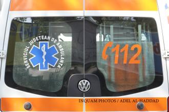 Accident pe A1, langa Saliste. Un trailer care transporta masini s-a rasturnat