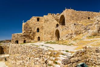 Atac armat in Iordania: 10 morti si 9 raniti. Politistii au luat cu asalt castelul in care s-a refugiat agresorul