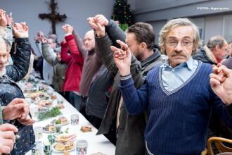 10 deputati din Polonia au petrecut Craciunul in Parlament, in semn de protest. Sustinatorii le-au adus mancare traditionala