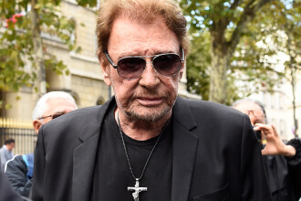 "Johnny Hallyday a murit. Artistul era supranumit ""Elvis al Franței"""