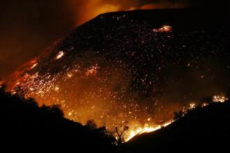 Un incendiu de vegetație din SUA, provocat de un tată în timpul unei petreceri